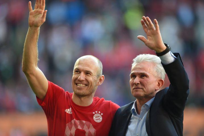 Trainer Jupp Heynckes und Arjen Robben (l.)