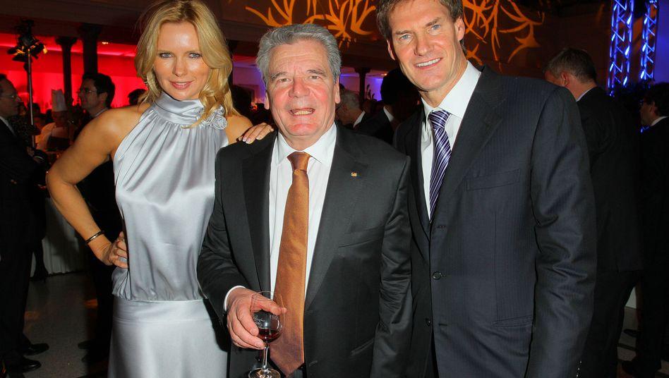 Fundstück im Netz: Gauck mit Wulff-Freunden Ferres und Maschmeyer (im Jahr 2010)