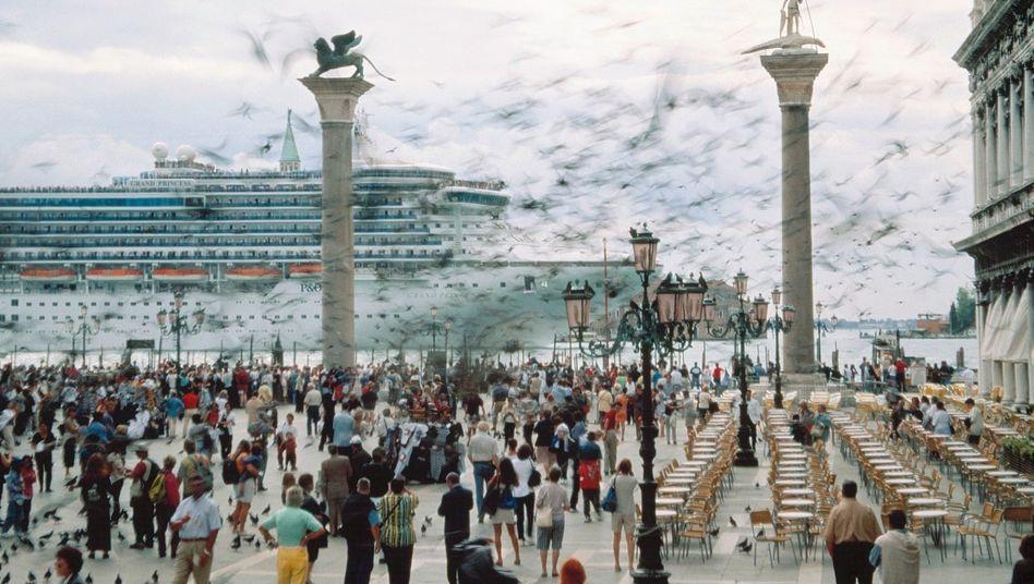 Kreuzfahrtschiff vor dem Markusplatz in Venedig: »Die Flut treibt die Ratten an Land«