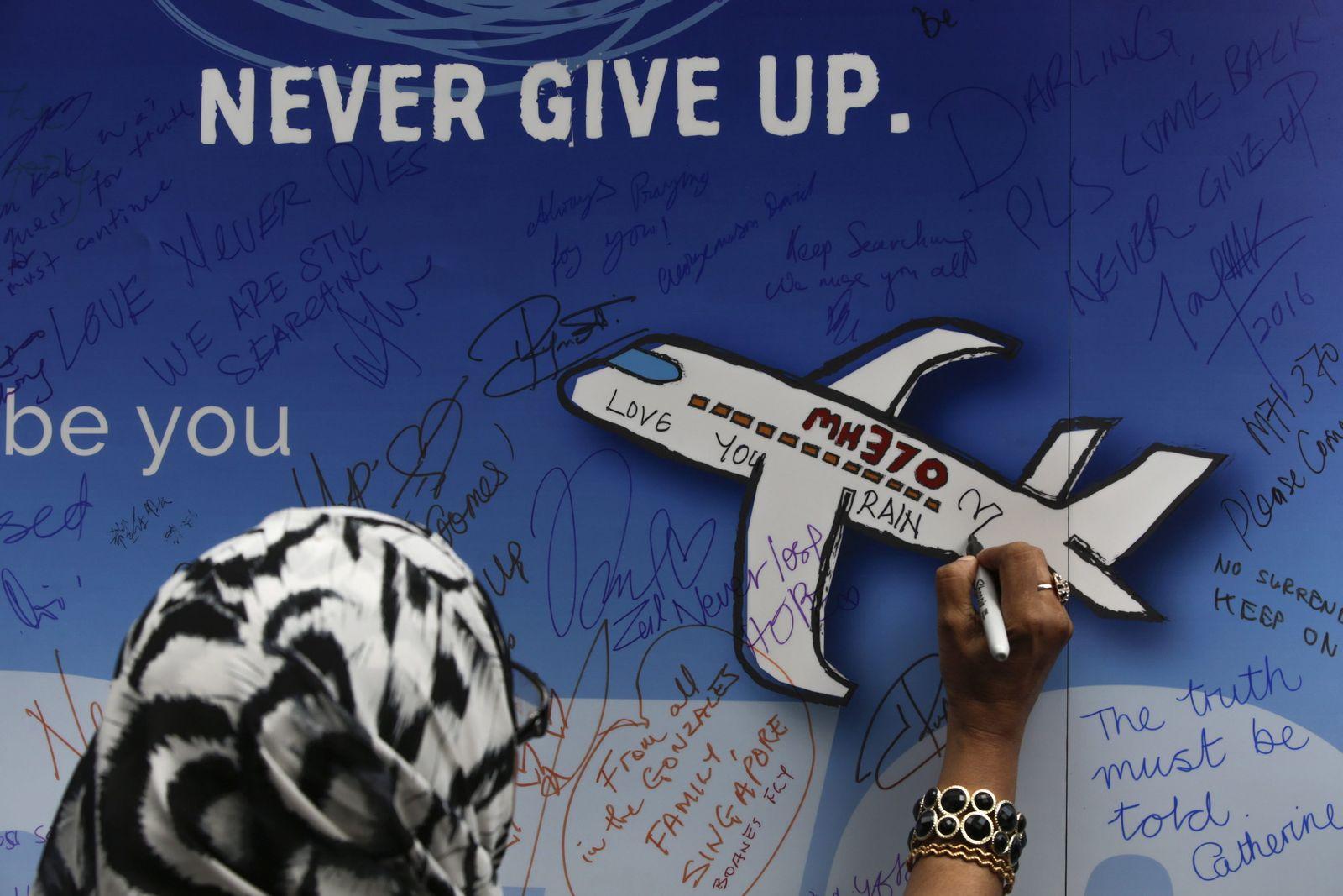 Flug MH370