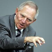 """Bundesinnenminister Wolfgang Schäuble: Gezielte Tötung von Verdächtigen ist """"rechtliches Problem"""""""