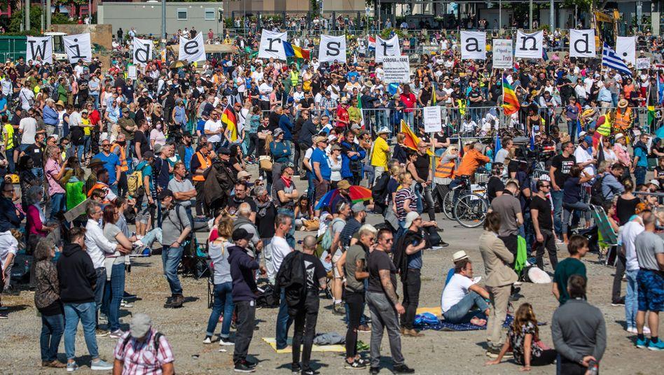 »Querdenken«-Demo am 16. Mai 2020 in Stuttgart