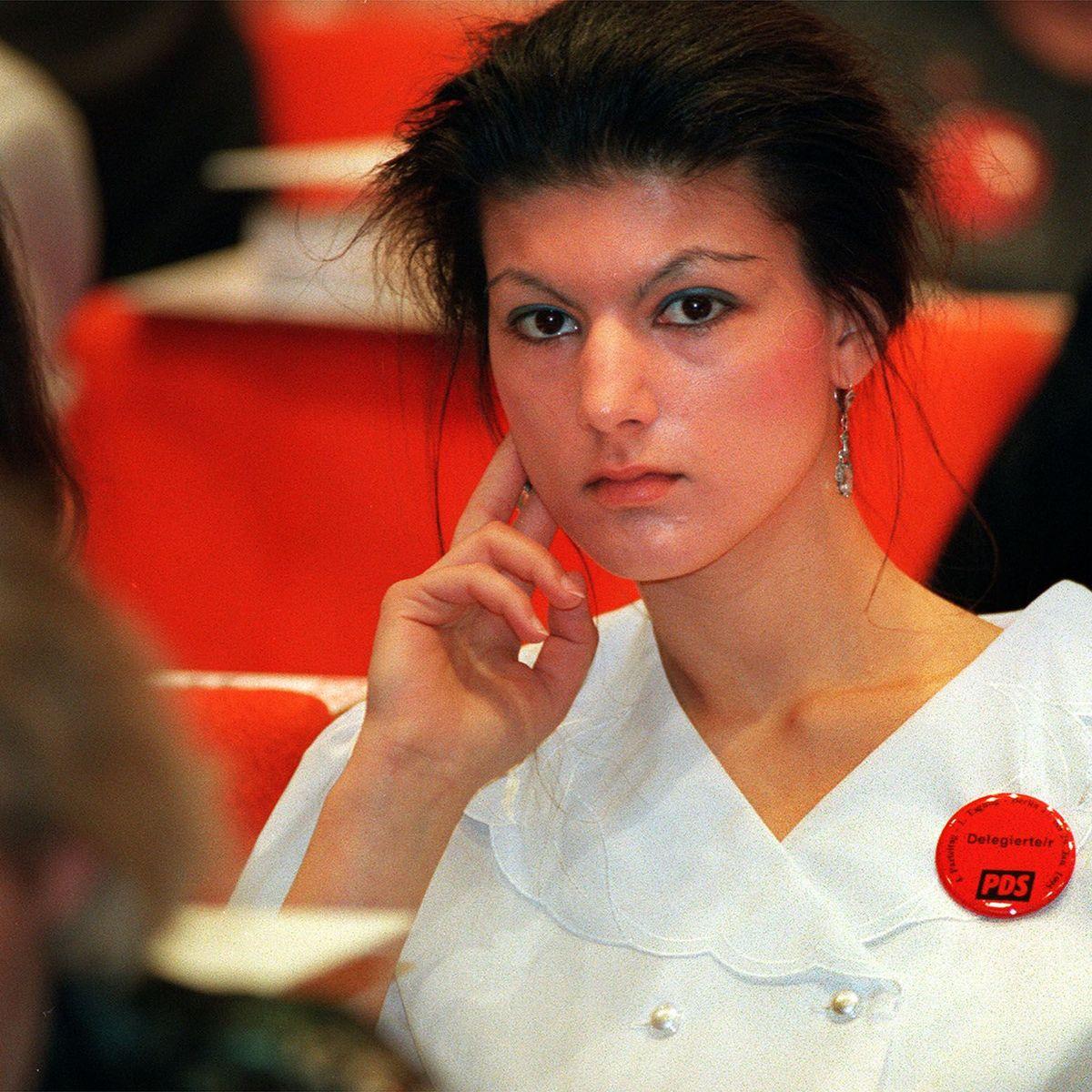 Offenen sahra wagenknecht haaren mit Sahra Wagenknecht: