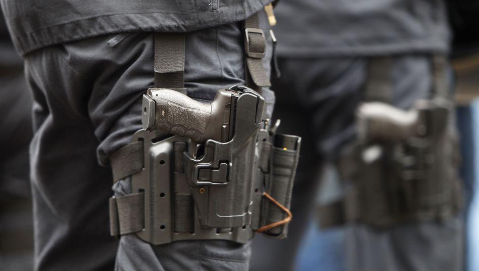 Dienstpistole der Bundespolizei Heckler & Koch P30: Streit um zweites Magazin
