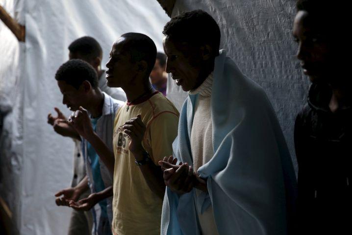 """Eritreische Christen beim Gebet: """"Agenten des Westens"""""""