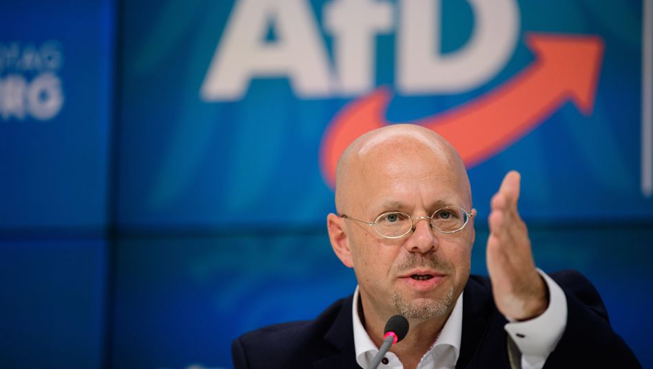 Ex-AfD-Politiker Andreas Kalbitz: Will sich in die Partei zurückklagen