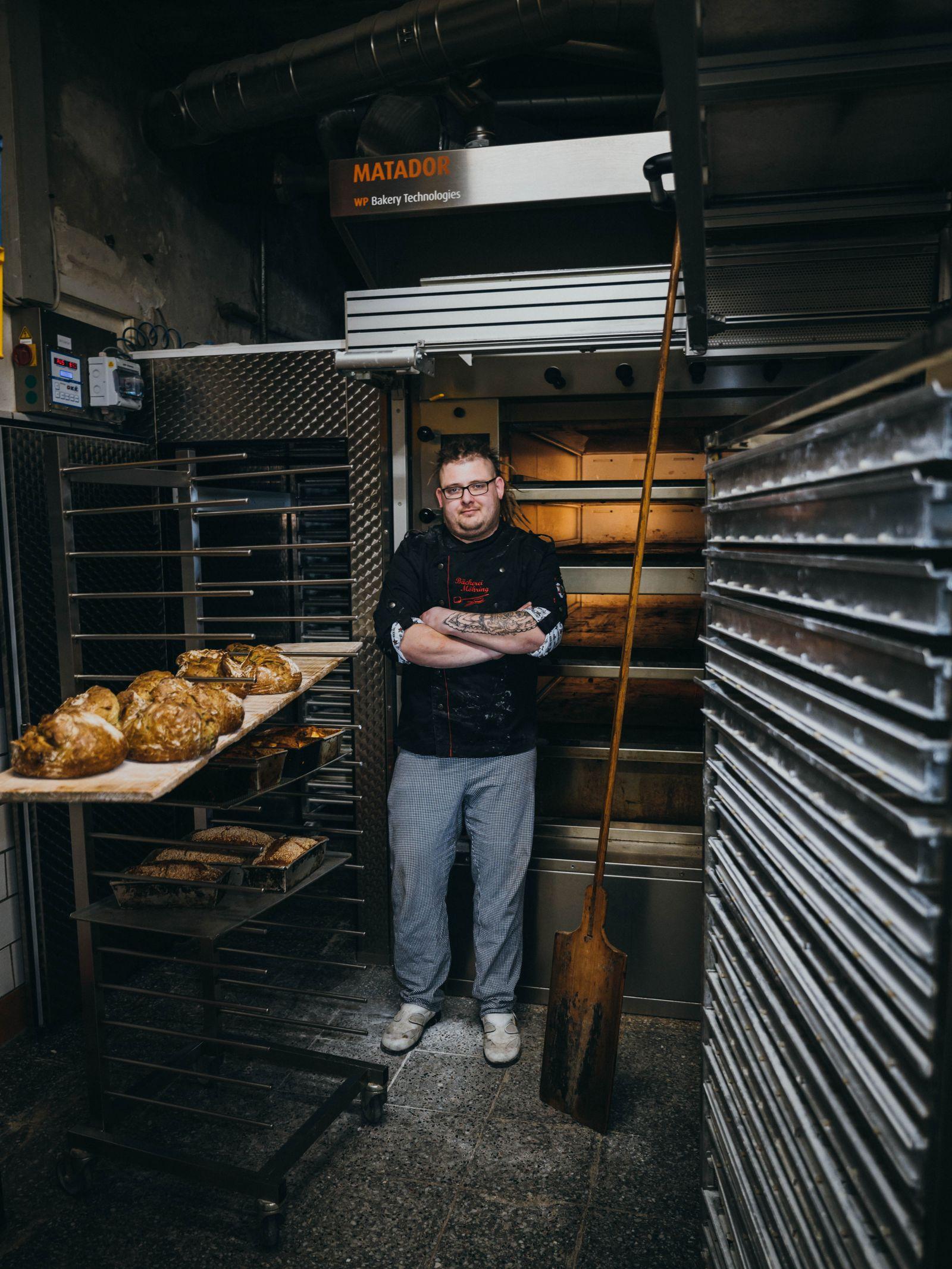 Marcus Ostendorf Bäckermeister und Erbe der Bäckerei Möhrign in Barleben bei Magdeburg fotografiert für Bento