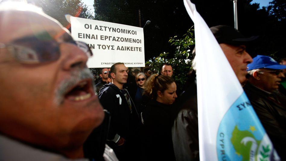 Demonstration in Zypern: Schuldenschnitt statt Rettungspaket?
