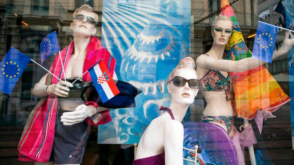Auf dem Weg in den Euro: Kroatische und EU-Fahnen in Zagreb (Archivbild)