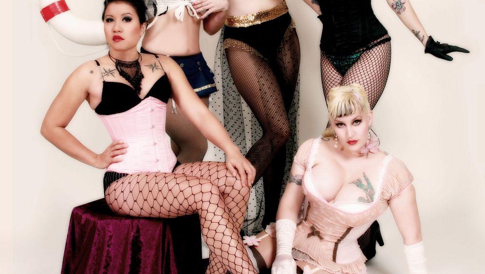 Burlesque-Tanzkurs: Mit Witz, Charme und Korsett