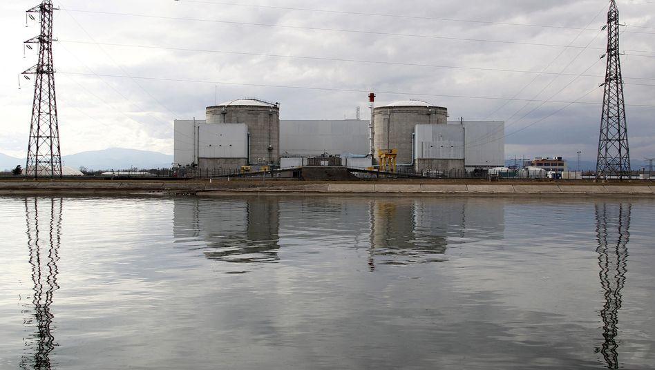 Reaktorgelände in Fessenheim am Rhein
