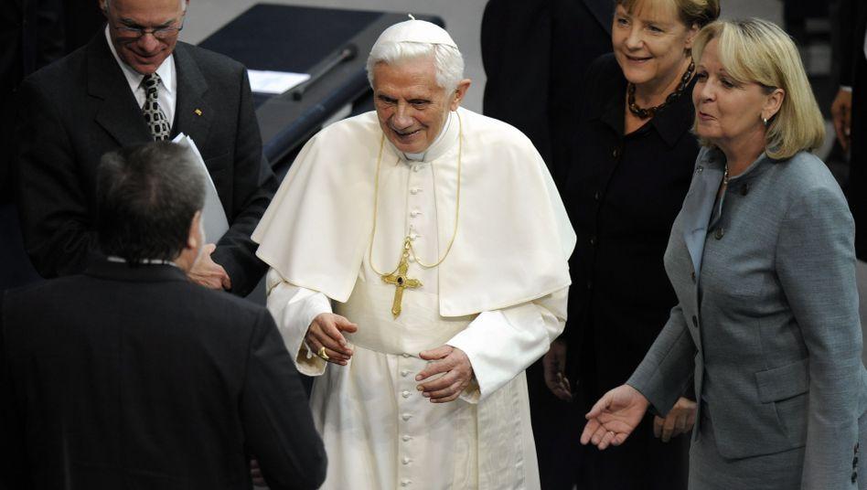 Benedikt XVI. mit Abgeordneten im Parlament: Lob und Kritik nach der Rede