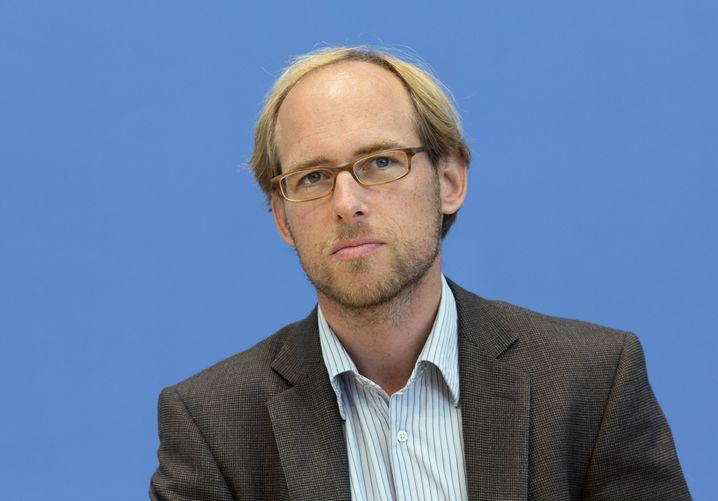 Maximilian Gertler: Schon im Kalender nachgeschaut, ob er im Notfall schnell nach Westafrika fliegen könnte