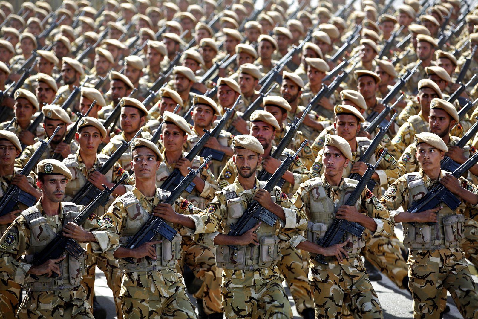 Iran / Parade