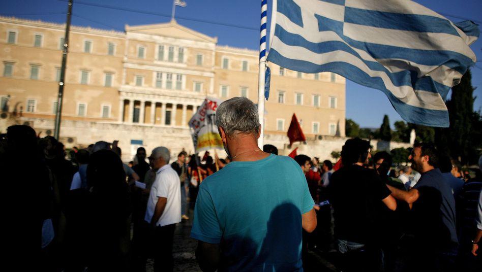 Parlamentsgebäude in Athen: Der aufgeblähte Staatsapparat wird nicht kleiner