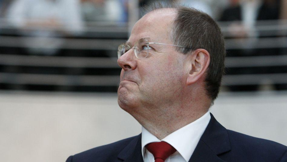 Finanzminister Steinbrück: Bund fehlen fast 15 Milliarden Euro