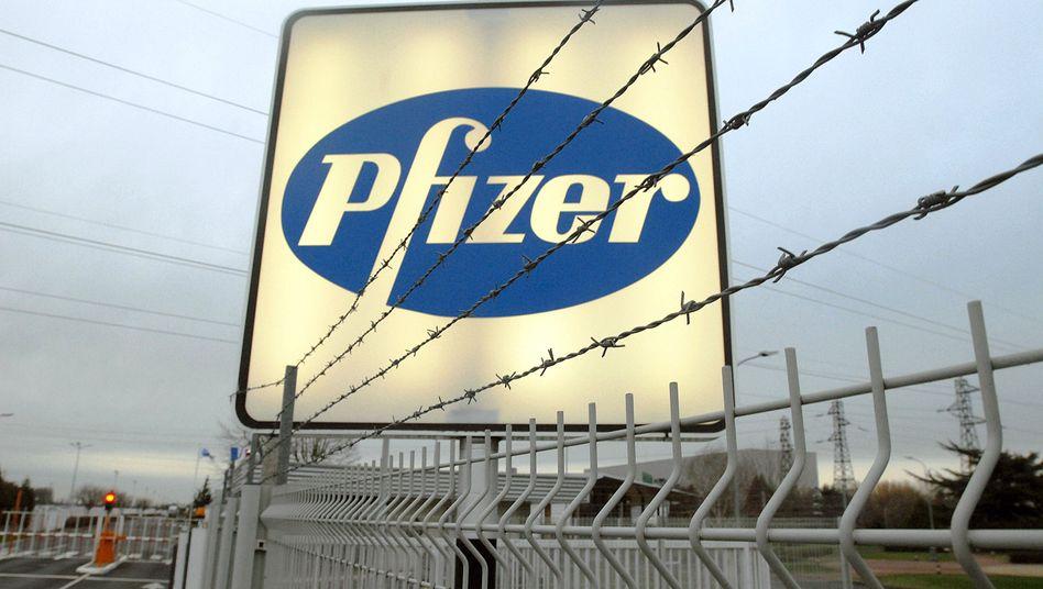 Pfizer-Logo: Im Fadenkreuz der Fahnder