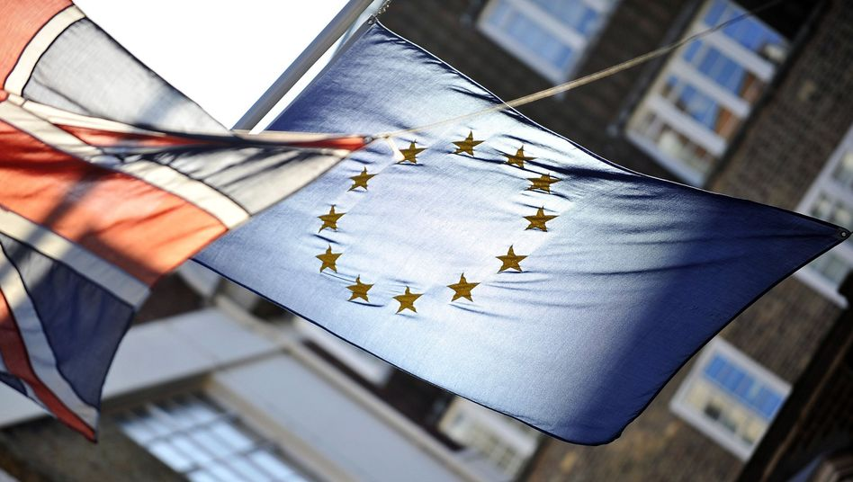Britain should re-think its approach to the EU, says Will Straw.