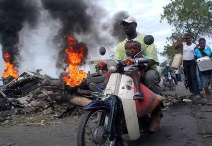 Brennende Barrikaden in Gonaïves: Es gibt kaum noch Lebensmittel für die Bevölkerung