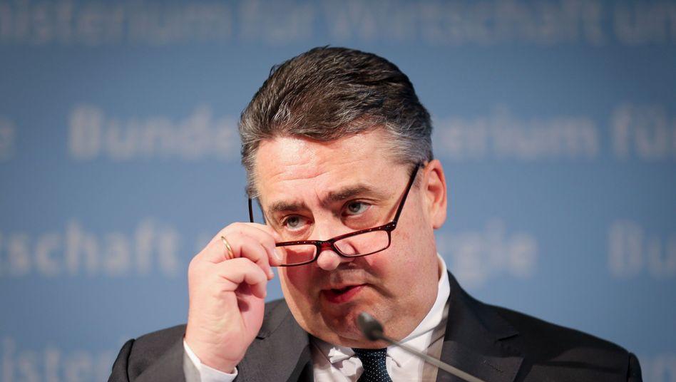 Wirtschaftsminister Gabriel: Endgültige Entscheidung in einigen Wochen