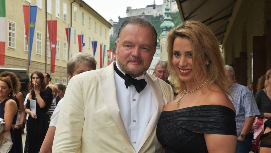 Alexander Prinz zu Schaumburg-Lippe und Verlobte Mahkameh Navabi bei den Salzburger Festspielen (Archivbild)