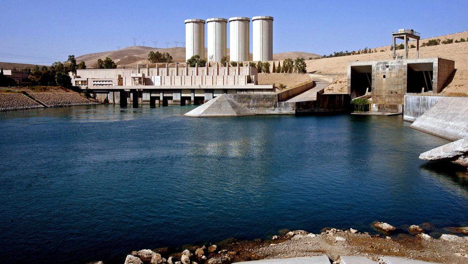 Mossul-Staudamm: Der Damm liegt rund 40 Kilometer nördlich der gleichnamigen Großstadt entfernt