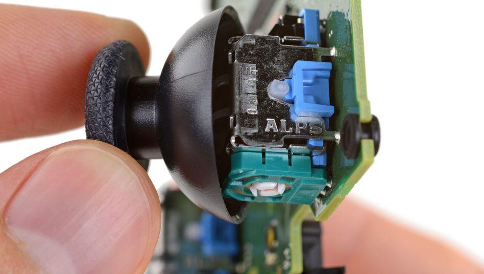 Analogstick der Playstation 5 im iFixit-Check: Die Bastler haben Erklärungen für das Problem