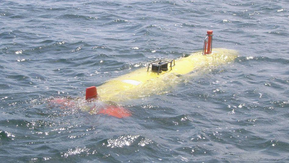 Abtauchen in die Tiefsee: Kieler U-Boot erspähte Wrackteile