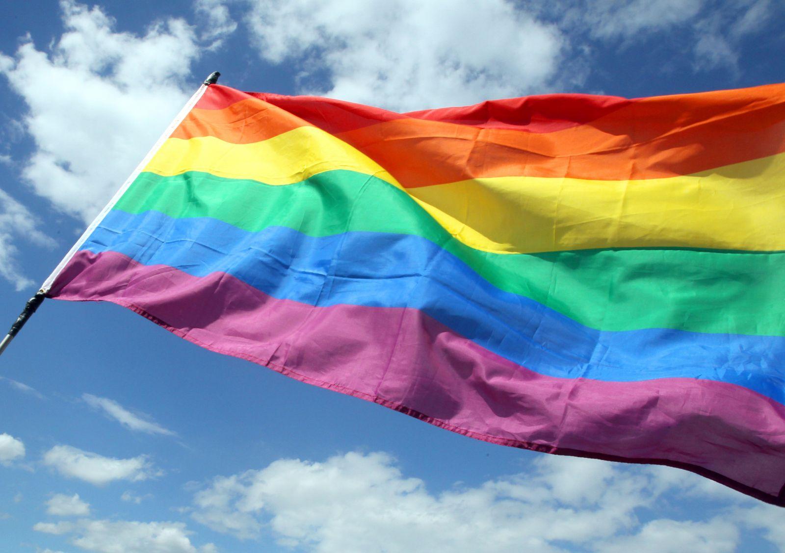 Regenbogenflagge angezündet: 16 Jahre Haft für Mann in den USA