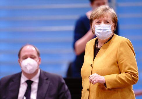 Kanzlerin Merkel und ihr Amtschef Braun