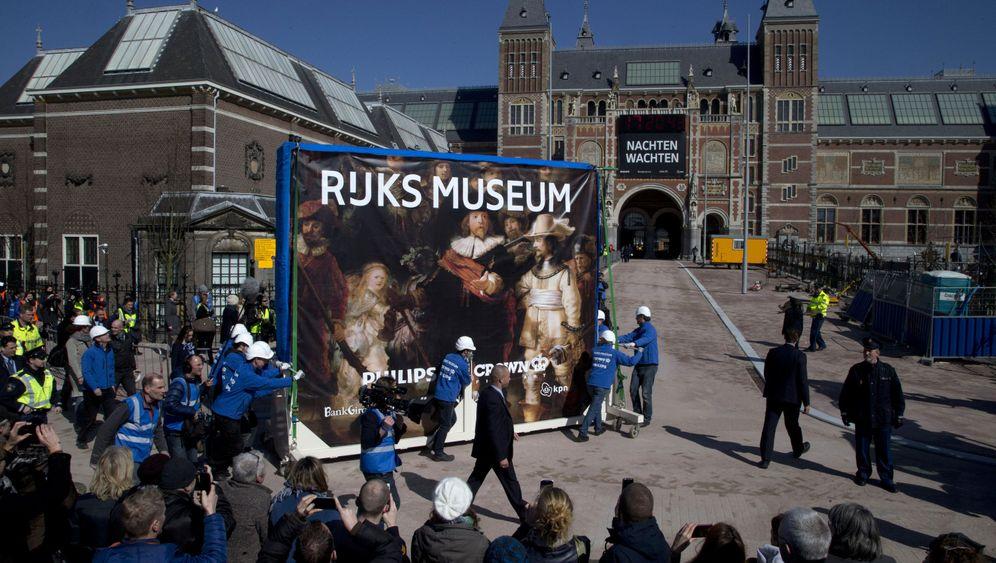 """Fotostrecke: Hightech-Umzug für Rembrandts """"Nachtwache"""""""