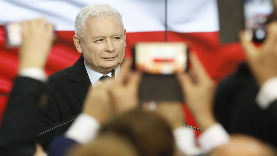 PiS-Chef Jaroslaw Kaczynski darf mit seiner Partei weiterregieren