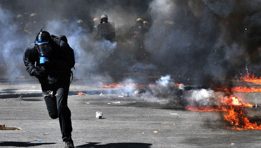 Photo Gallery: More Pain for Greece