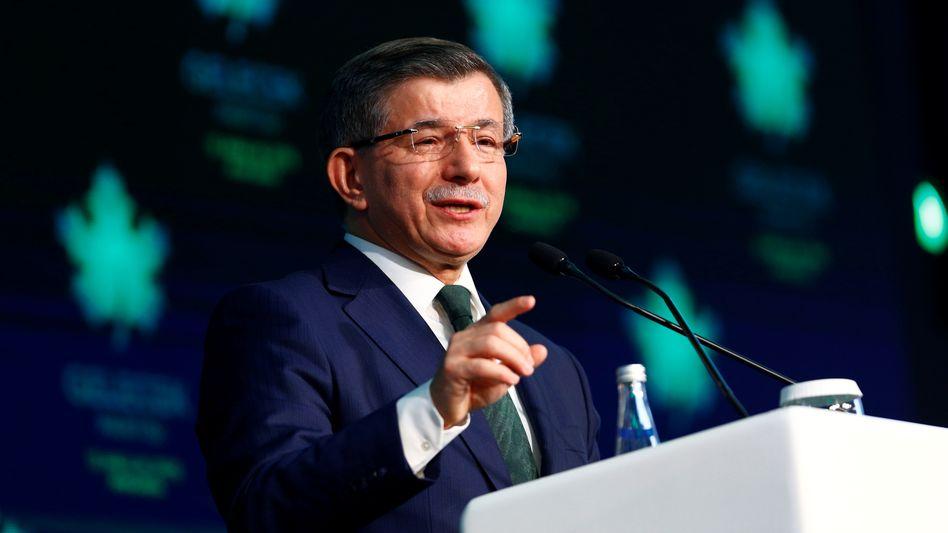"""""""Zukunftsbündnis"""": Ahmet Davutoglu stellte das Programm seiner Partei vor"""