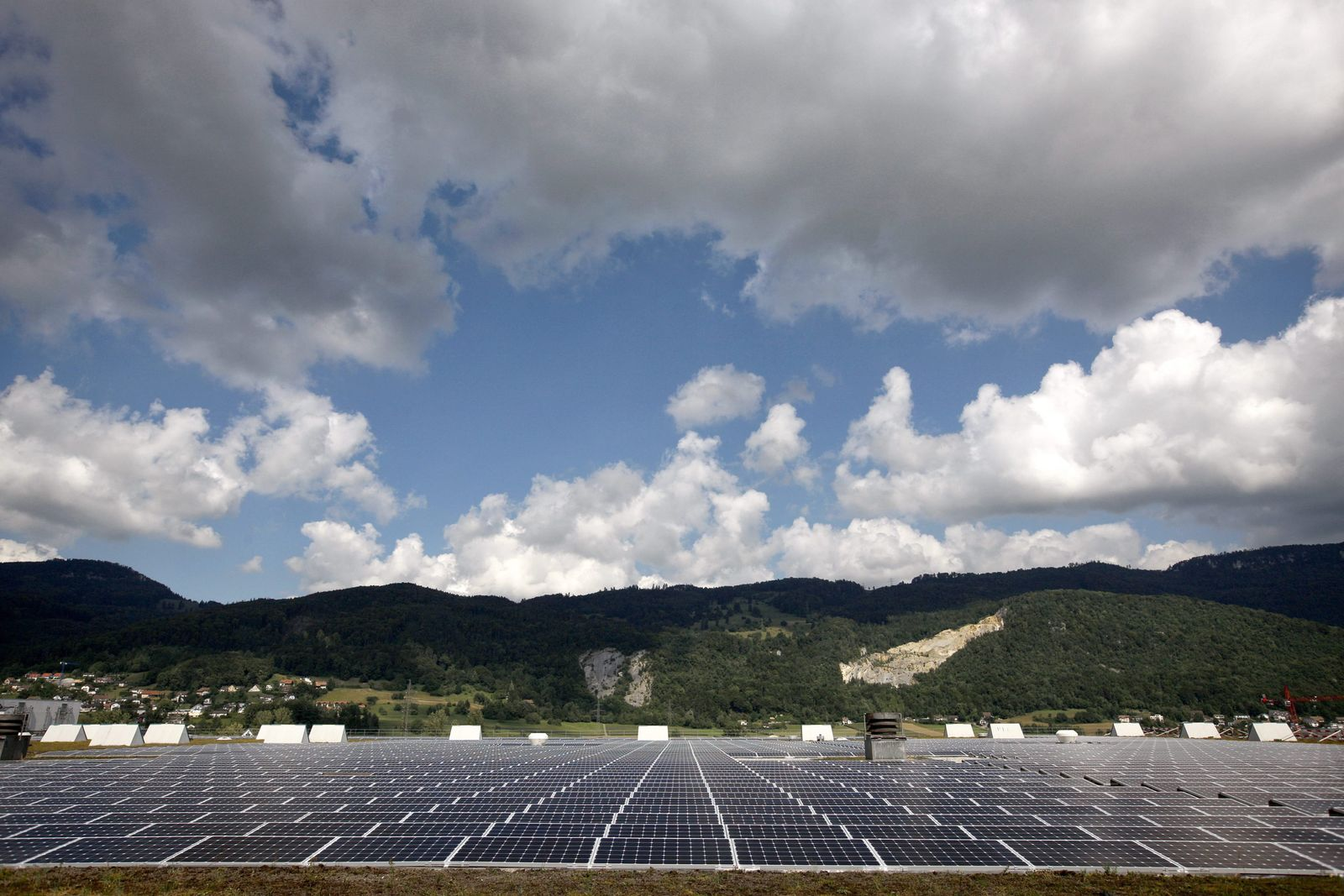 Largest photovoltaic plant in Switzerland opened