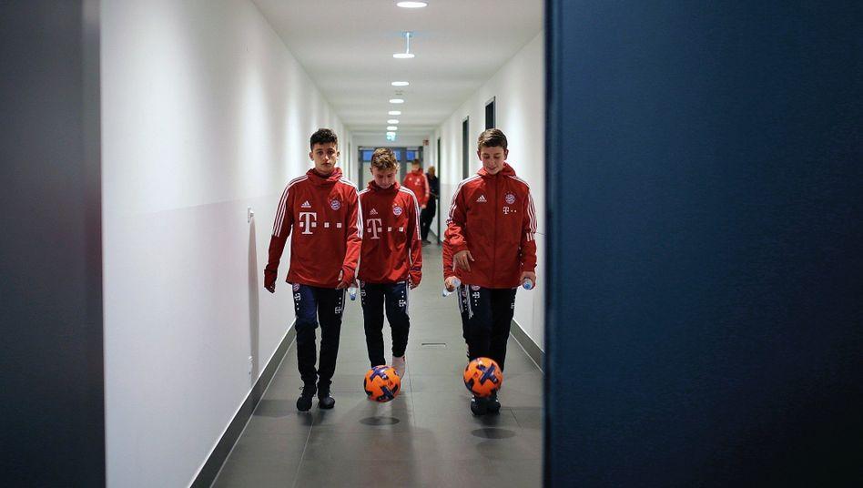 Nachwuchsspieler im Campus des FC Bayern München