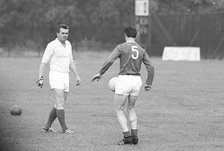 Happel 1965 in Den Haag: Erste Trainerstation, erster Titel