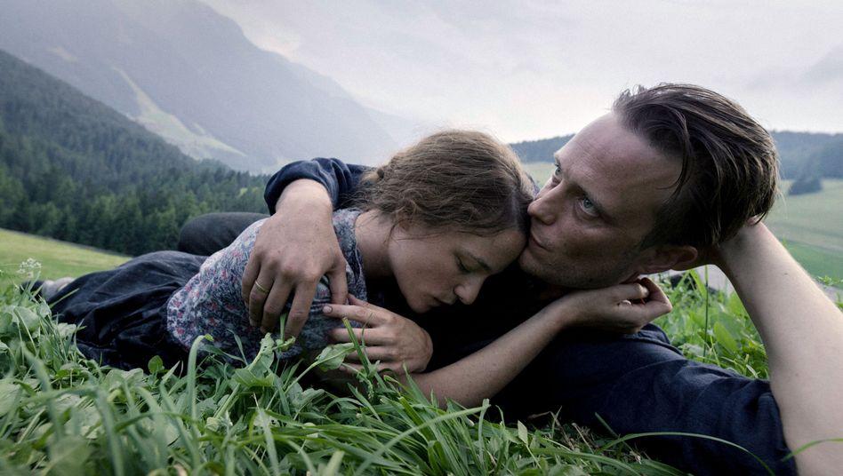 """Valerie Pachner und August Diehl in """"A Hidden Life"""""""