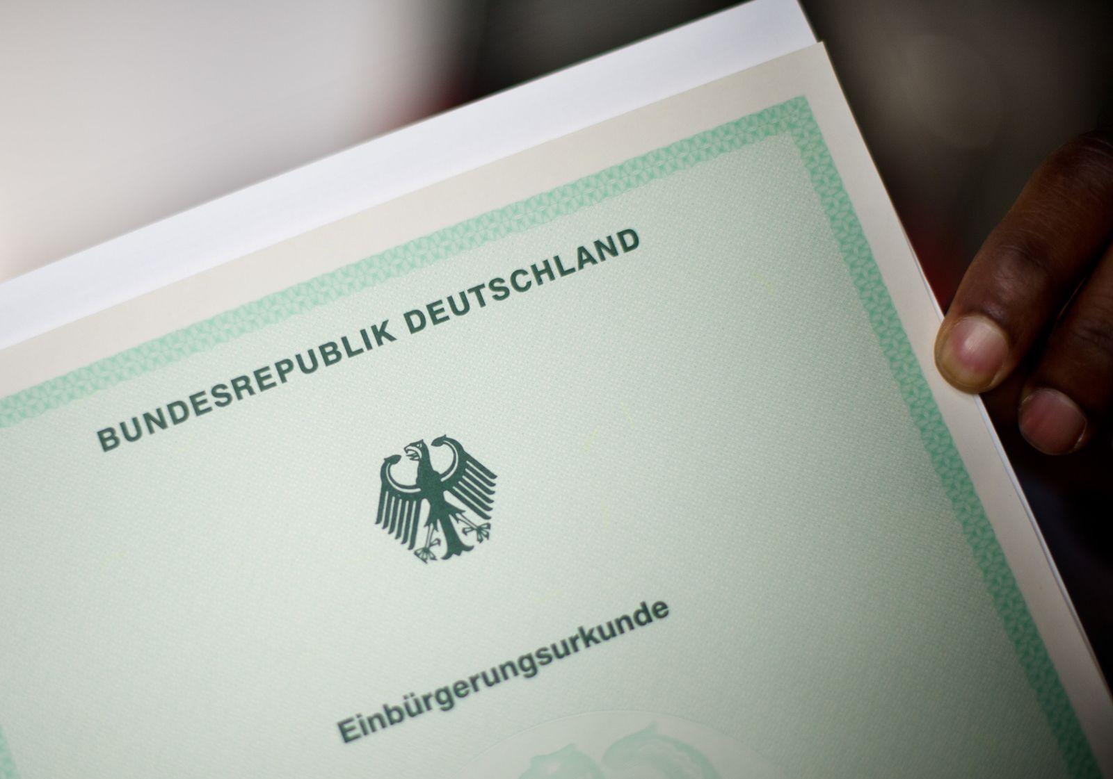 Identitätstäuscher sollen länger deutschen Pass verlieren können