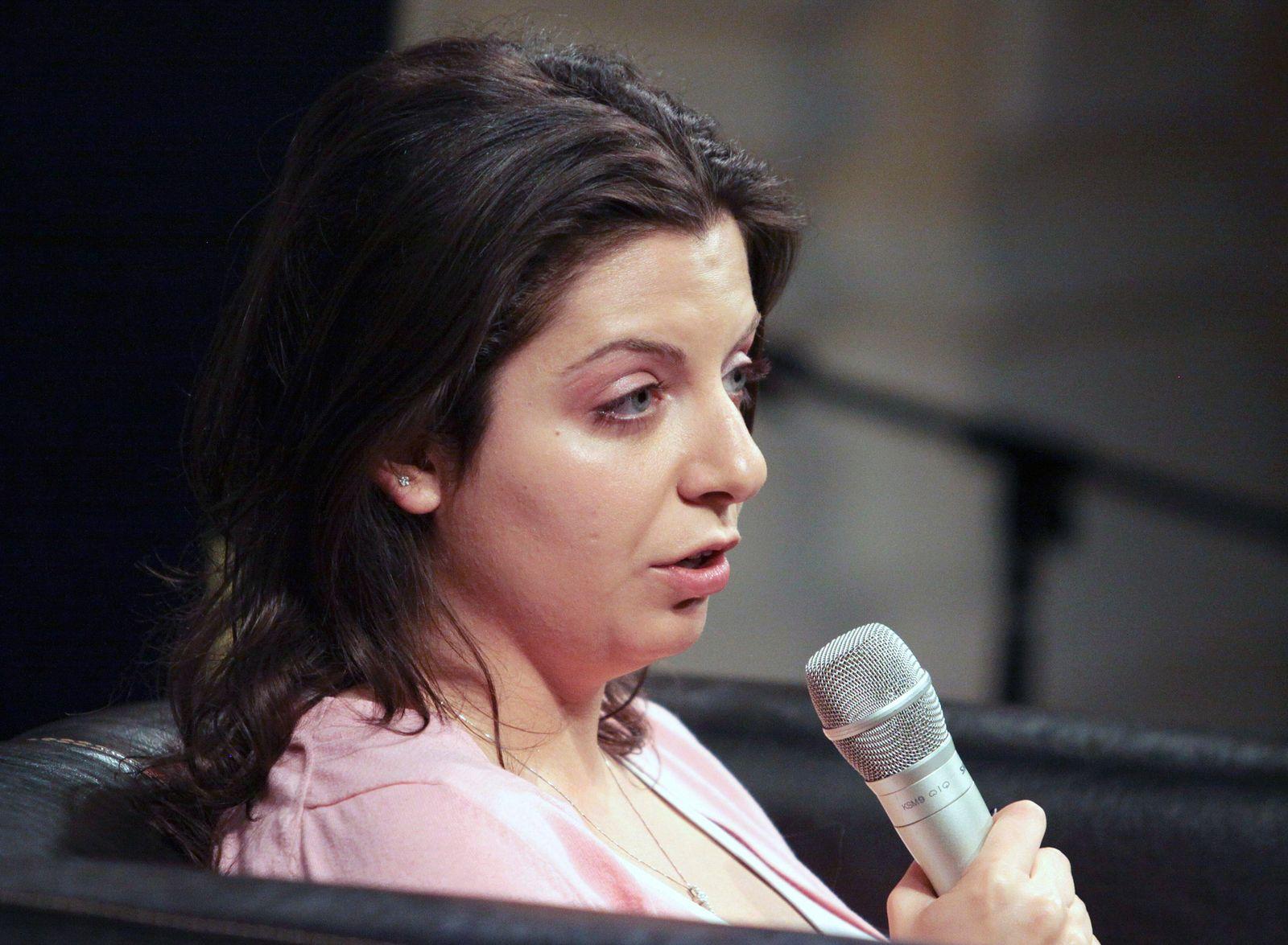 EINMALIGE VERWENDUNG Margarita Simonjan