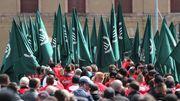 Rechtsextreme sollen Hass-Plakate in Zwickau abnehmen