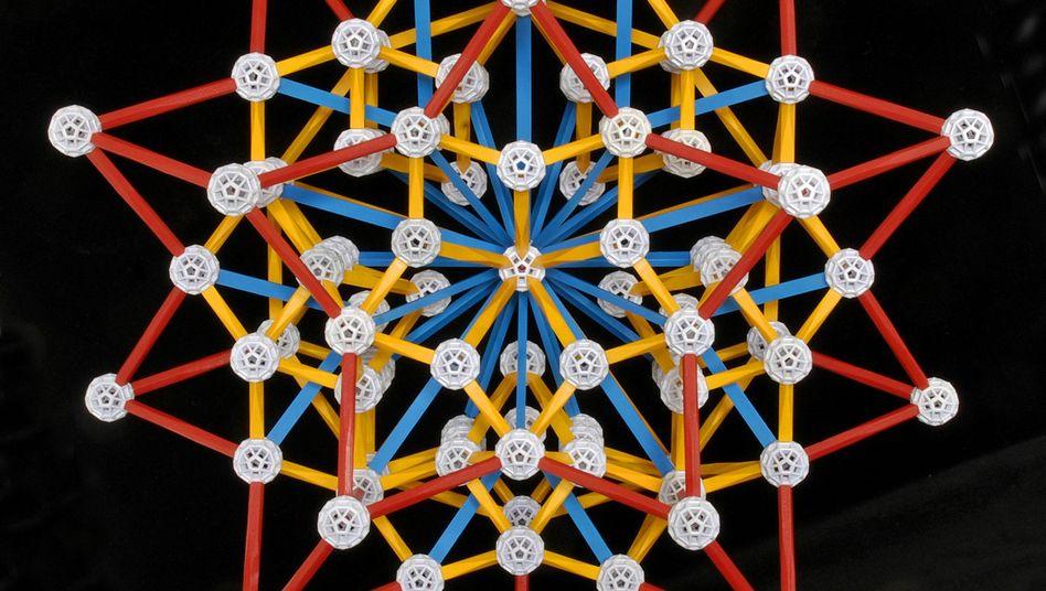 Mit Zometool gebauter Stern: Spielerisches Erkunden geometrischer Welten