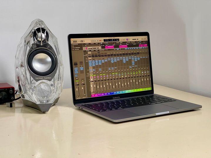 Wie alle Apple-Apps profitiert auch die Musiksoftware Logic Pro X sehr vom M1, weil sie schon an den neuen Chip angepasst worden ist