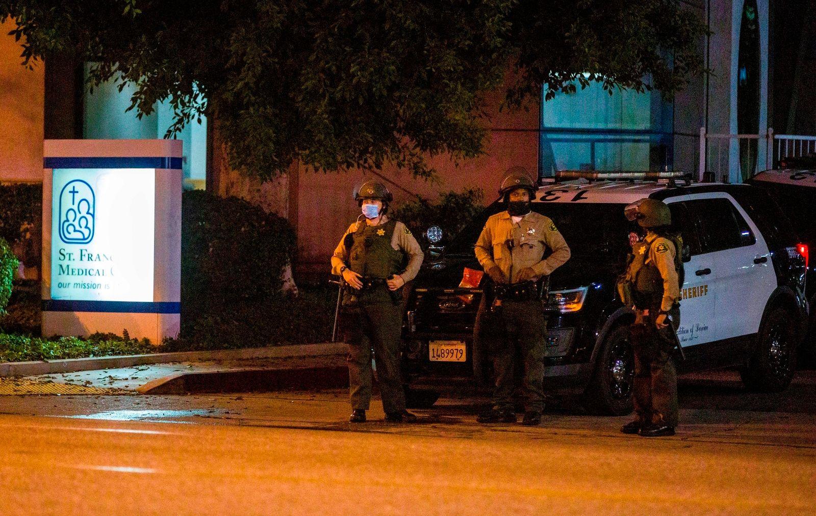 Deputies-Shot California