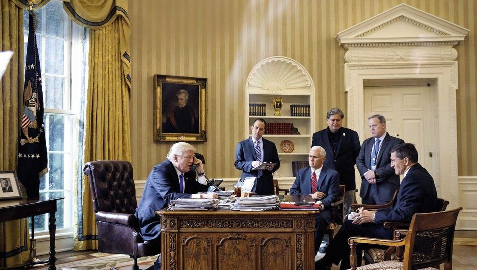 Präsident Trump, Team im Weißen Haus(*)