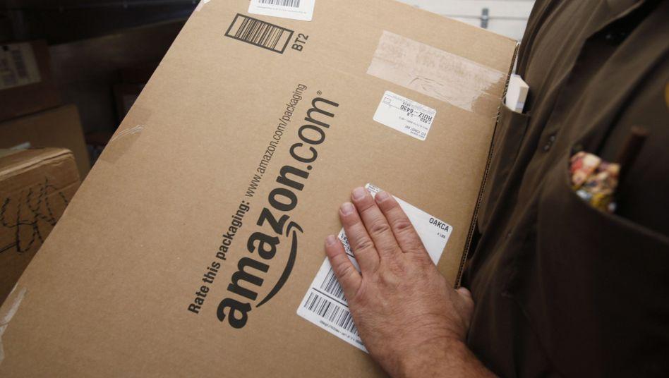Post von Amazon (Symbolbild): Der Algorithmus sucht aus, der Programmierer packt aus