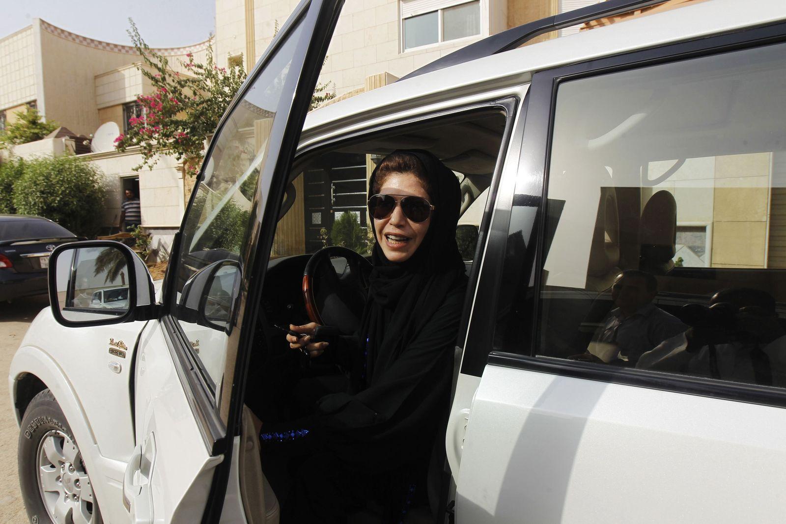 Saudi-Arabien/ Auto/ Frau