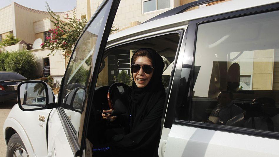 Saudi-Araberin am Steuer: Frauen verstoßen offen gegen das Fahrverbot