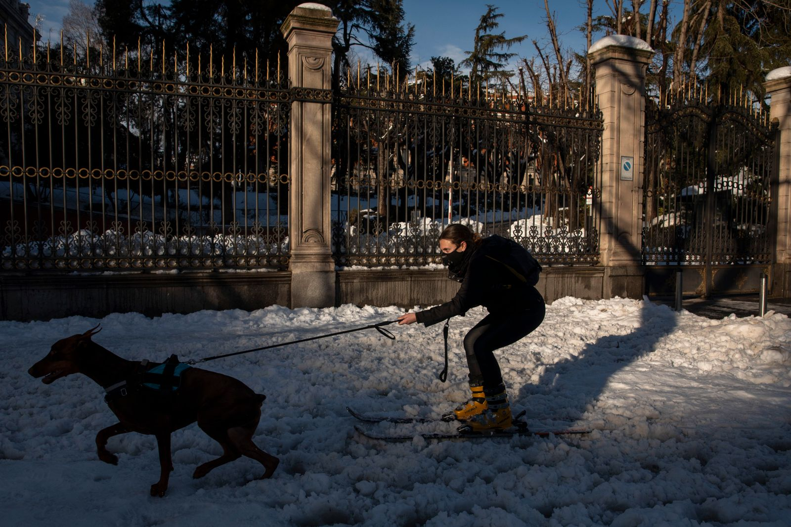 *** BESTPIX *** Madrid Digs Out From Exceptional Snowfall