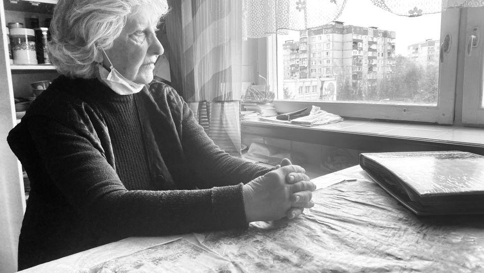 Die krebskranke Olga Gashchyts aus Lwiw (Ukraine) ist auf die kostenlosen Medikamente eines Hilfsprojekts aus Deutschland angewiesen